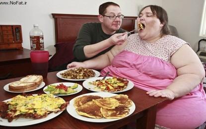 پرخوری شبانه ایرانیان و مشکلات چاقی