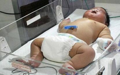 چاق ترین کودک دنیا متولد شد