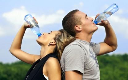 تاثیر نوشیدن آب در بالا نگهداشتن سوخت و ساز بدن