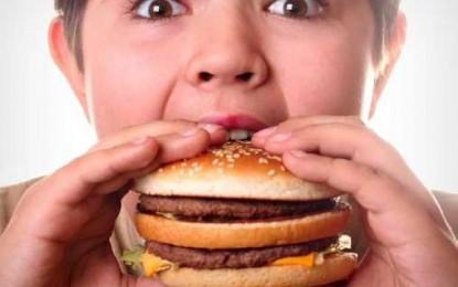 اختلالات خواب با فست فود خوردن