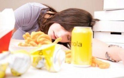 ارتباط خستگی و خورد و خوراک
